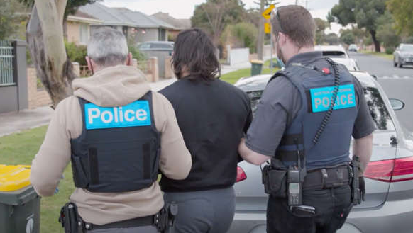 Crime groups meet face-to-face after Operation Ironside in Australia Criminal experts